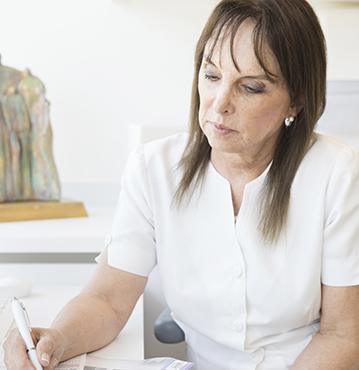 Dra. Concepción Lobato Jiménez